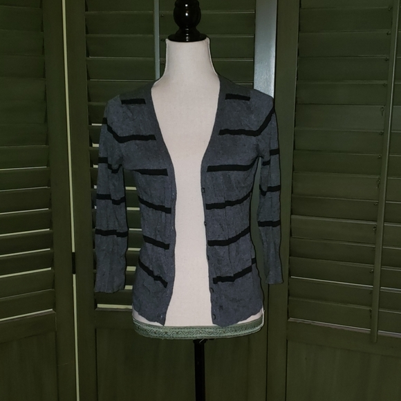 Mossimo Supply Co. Sweaters - 🌺3/$10🌺Mossimo cardigan